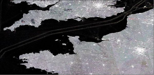 Sentinel-1 amplitude image of ship tracks in the English Channel. (Courtesy: ESA)